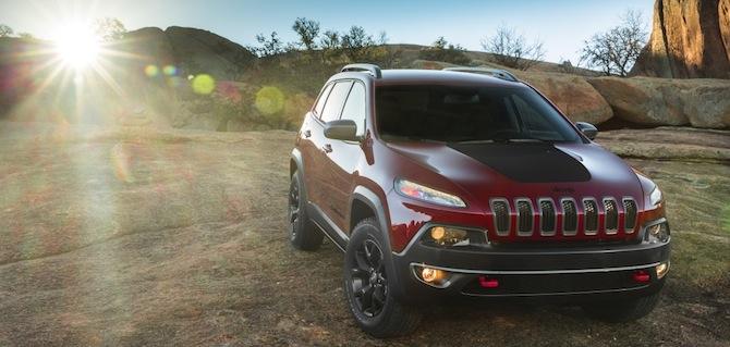 Apskati jauno neticami neglīto Jeep Cherokee